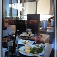 7/22/2012 tarihinde Landon R.ziyaretçi tarafından Takami Sushi'de çekilen fotoğraf