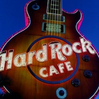 รูปภาพถ่ายที่ Hard Rock Hotel Las Vegas โดย Christine Marie D. เมื่อ 10/5/2011