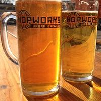 Foto scattata a Hopworks Urban Brewery da Bradley A. il 4/22/2012
