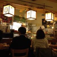 Foto tomada en Tomoe Sushi por Hsini el 4/12/2012