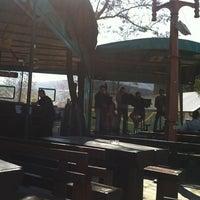 """รูปภาพถ่ายที่ Пивница """"Стар град"""" / """"Old Town"""" Brewery โดย Ana L. เมื่อ 4/10/2011"""