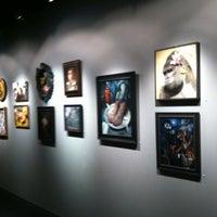 Foto tirada no(a) Last Rites Tattoo Theatre and Art Gallery por Lawrence H. em 7/25/2012