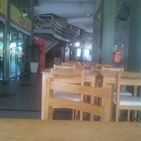 Foto tirada no(a) Camboinhas Mall por mxfmigon M. em 11/22/2011