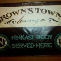 2/9/2011にThomas P.がBrown's Towne Loungeで撮った写真