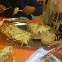Foto scattata a Pizza Zú da Andres C. il 8/9/2012
