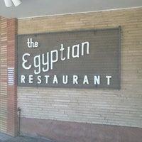 Das Foto wurde bei Campisi's Restaurant - The Egyptian Lounge von Paul W. am 9/29/2011 aufgenommen