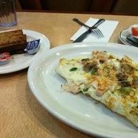 Das Foto wurde bei Bull's Head Diner von Stephanie K. am 1/26/2012 aufgenommen