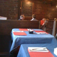 3/21/2011에 Rebecca W.님이 Tessaro's에서 찍은 사진