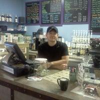 Photo prise au New World Coffee House par Whitney H. le1/25/2012