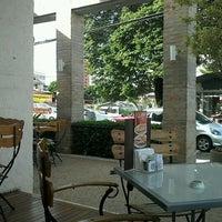 3/22/2012에 Rafael F.님이 Fran's Café에서 찍은 사진