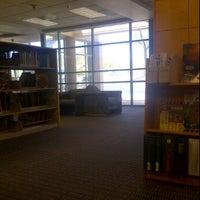 Photo prise au Scottsdale Public Library - Palomino par Samantha H. le8/22/2011