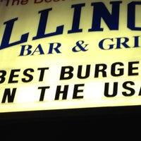 Foto diambil di Illinois Bar & Grill oleh Vanessa V. pada 7/23/2012