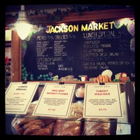 Photo prise au Jackson Market par Julie • 유미 U. le1/29/2012