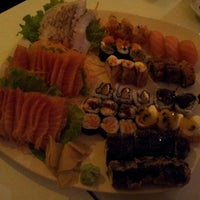 Foto tirada no(a) Kurokawa Sushi Bar por Luciana P. em 8/4/2012