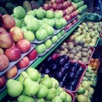 Foto tomada en Plaza de Mercado de Paloquemao por Sebastian C. el 5/27/2012