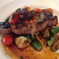 Foto tirada no(a) South City Kitchen por G J. em 8/23/2012