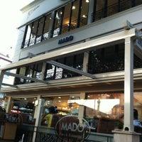 รูปภาพถ่ายที่ Mado โดย Mecit เมื่อ 7/31/2012