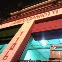 Foto tirada no(a) Bar Amigo Giannotti por Vinicius A. em 5/12/2012