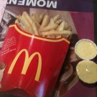 Foto tomada en McDonald's por Daniel O. el 8/1/2012