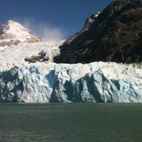 Foto tomada en Administración Parque Nacional Los Glaciares por Adrian G. el 3/17/2012