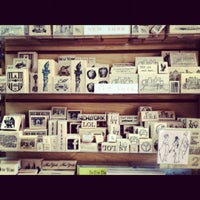 Снимок сделан в The Ink Pad пользователем kristy b. 7/16/2012