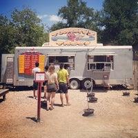 Foto tomada en Torchy's Tacos por Brian R. el 7/6/2012