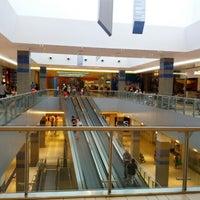 Foto scattata a Galleria Commerciale Porta di Roma da Alex B. il 8/27/2012