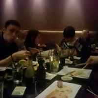 Foto diambil di Edoko Sushi & Robata oleh Gena S. pada 1/13/2012