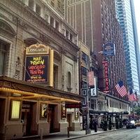 Foto tirada no(a) Hurley's Saloon por Scott em 7/21/2012