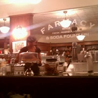 Photo prise au Brooklyn Farmacy & Soda Fountain par Andres le6/11/2011