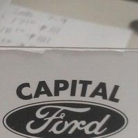 Foto tomada en Capital Ford por Shae C. el 10/20/2011