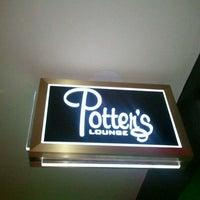 Foto tomada en Potter's Lounge por Babs el 12/21/2011