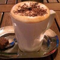 Foto diambil di Mocaco Coffee oleh Elif G. pada 6/30/2012