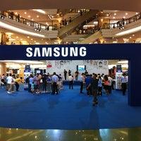 รูปภาพถ่ายที่ 1 Utama Shopping Centre (Old Wing) โดย ИᗩƧℍ_ᗩƧᏔᗩЯT И. เมื่อ 2/10/2012