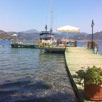 Foto scattata a Mavi Deniz da Serkan Aykut A. il 7/18/2011
