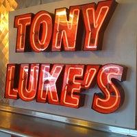 Foto scattata a Tony Luke's da Jape il 9/18/2011