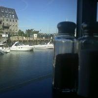 10/7/2011 tarihinde Steve Q.ziyaretçi tarafından Boston Sail Loft'de çekilen fotoğraf