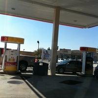 Foto scattata a Shell da Faith L. il 2/22/2011