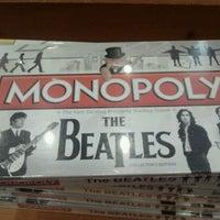 Foto scattata a Barnes & Noble da Sandy C. il 10/6/2011