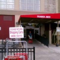 Photo prise au Trader Joe's par Rachel S. le8/13/2011