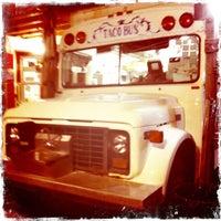 Foto tirada no(a) Taco Bus por Sarah C. em 7/22/2011