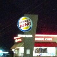 Foto tirada no(a) Burger King por @ngie em 8/20/2012