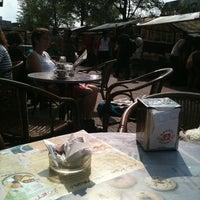 รูปภาพถ่ายที่ Bagels & Beans โดย Robbert B. เมื่อ 7/28/2011