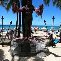 Duke Kahanamoku Statue - Waikiki - 2365 Kalakaua Ave