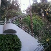 Снимок сделан в Filbert Steps пользователем Stephane D. 1/5/2012