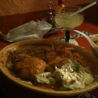 Foto tomada en Cancun's Restaurant por Nick P. el 3/8/2011
