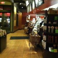 3/11/2011 tarihinde Brad B.ziyaretçi tarafından Starbucks'de çekilen fotoğraf