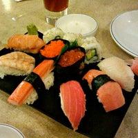 Снимок сделан в Sushi Co пользователем Billy Jhon T. 11/20/2011