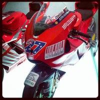 Foto tirada no(a) Ducati Motor Factory & Museum por Ciccio F. em 9/10/2012