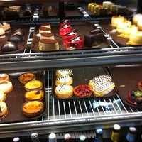 Photo prise au Rendez-Vous Bakery and Bistro par Bob R. le11/8/2011